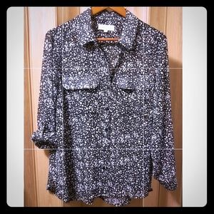 Two by Vince Camuto Tab Sleeve Blouse M